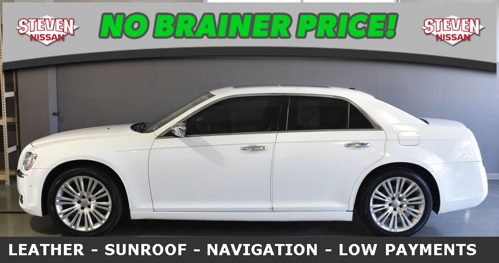 Pre-Owned 2011 Chrysler 300C -